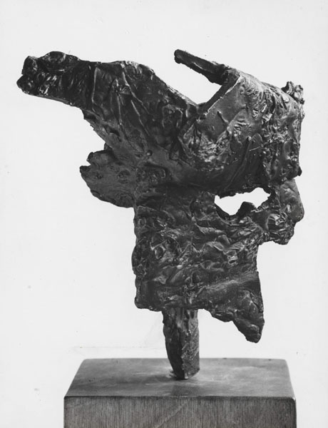 1960, Jan Goossen, 'Mannetje in tweestrijd', bronze. photo Paul van den Bos