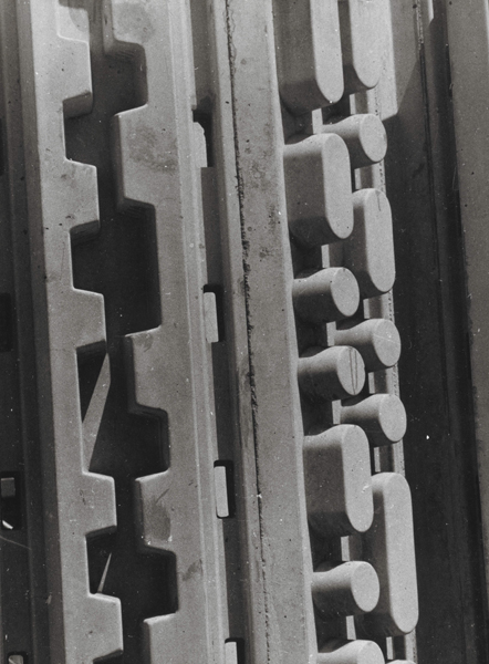 1967, Sculpture Wall, Golden Gate Center, San Francisco, V.S. (detail), beton, length 7 m x height 3 m
