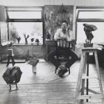 1960, Jan Goossen, werkzaam in atelier van Wessel Couzijn, Amsterdam. Photo Paul van den Bos